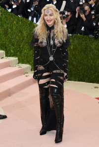 Madonna podczas MET Gali w 2016 roku, Fot. Getty Images