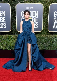 Gemma Chan w Valentino Couture, fot. Getty Images