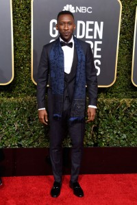 Mahershala Ali w garniturze Etro, fot. Getty Images