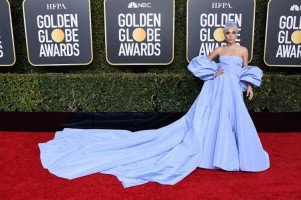 Lady Gaga w kreacji Valentino Haute Couture, fot. Getty Images