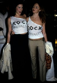 Liv Tyler i Stella McCartney w 1999 roku, Fot. Getty Images