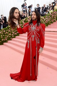 Jared Leto w Gucci, 2019 rok, Fot. Jamie McCarthy/Getty Images