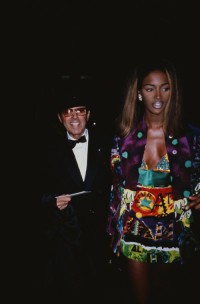Naomi Campbell w sukience Versace, 1990 rok , Fot.  Rose Hartman/Getty Images