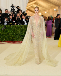 Rosie Huntington-Whiteley, Dia Dipasupil, Getty Images