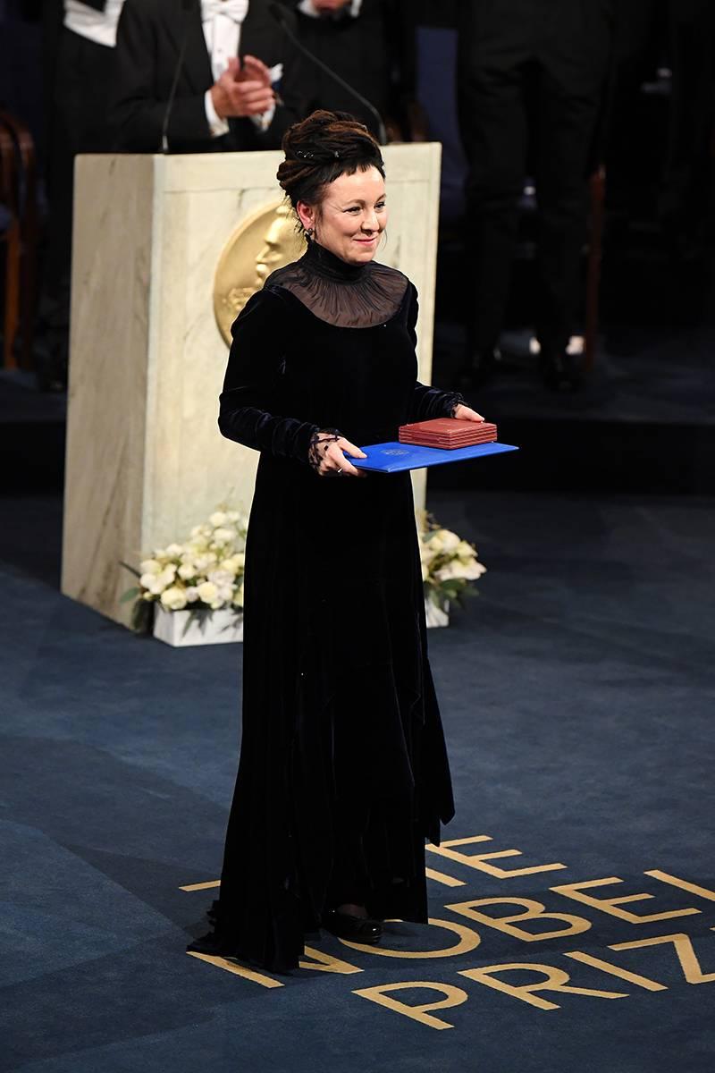 Tylko w Vogue.pl: Kulisy powstania noblowskiej sukni Tokarczuk