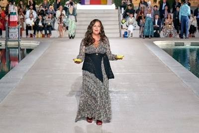 Angela Missoni at the end of her Spring/Summer 2020 collection. © Gorunway