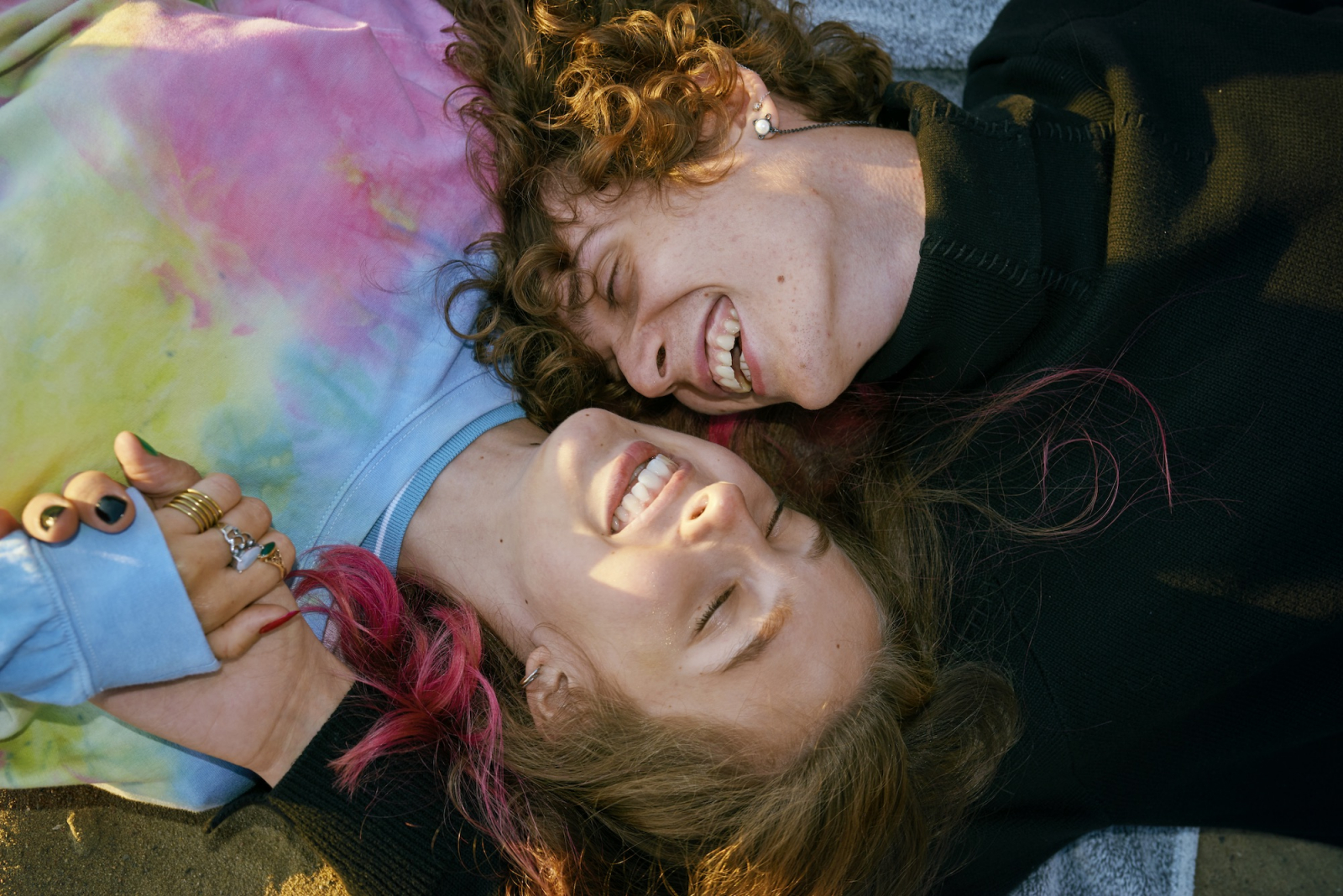 seks nastolatków stanik