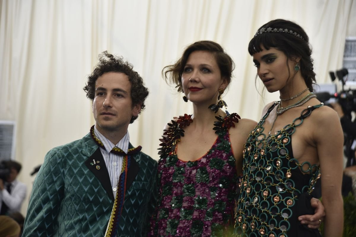 Francesco Risso, Maggie Gyllenhaal i Sofia Boutella (Fot. Ron Galella, Getty Images)