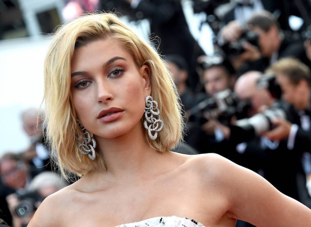 Hailey Baldwin w Cannes (Fot. Getty Images)