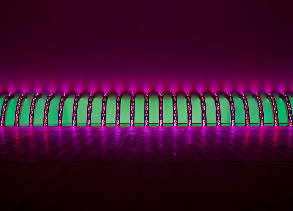 Jenny Holzer, Purple, 2008, 20 LED signs with blue, green, red & white diodes, Each element: 148.1 x 13.3 x 14.8 cm, Text: U.S. government documents,