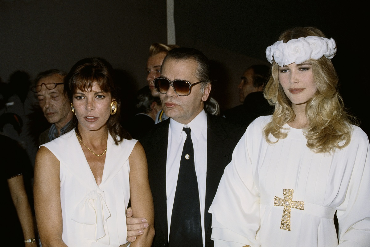 Karl Lagerfeld na pokazie Chanel, 1990 (Fot. Pierre Vauthey/Sygma/Sygma via Getty Images)