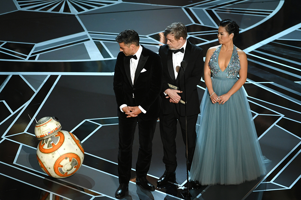 BB-8, Oscar Isaac, Mark Hamill i Kelly Marie Tran (Fot. Kevin Winter, Getty Images)
