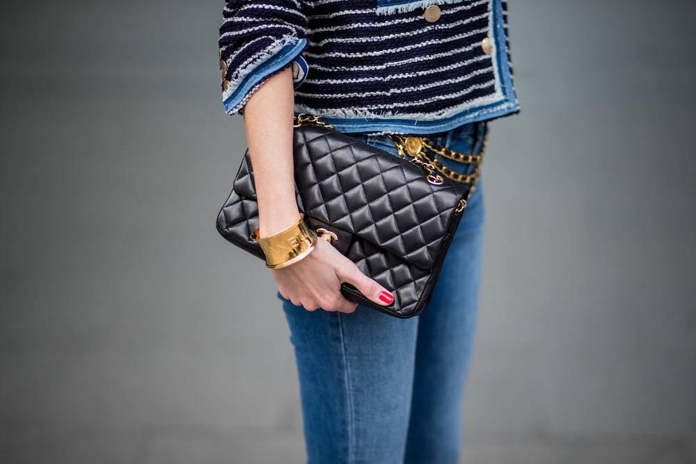 Torebka na tygodniu mody w Paryżu (Fot. Getty Images)