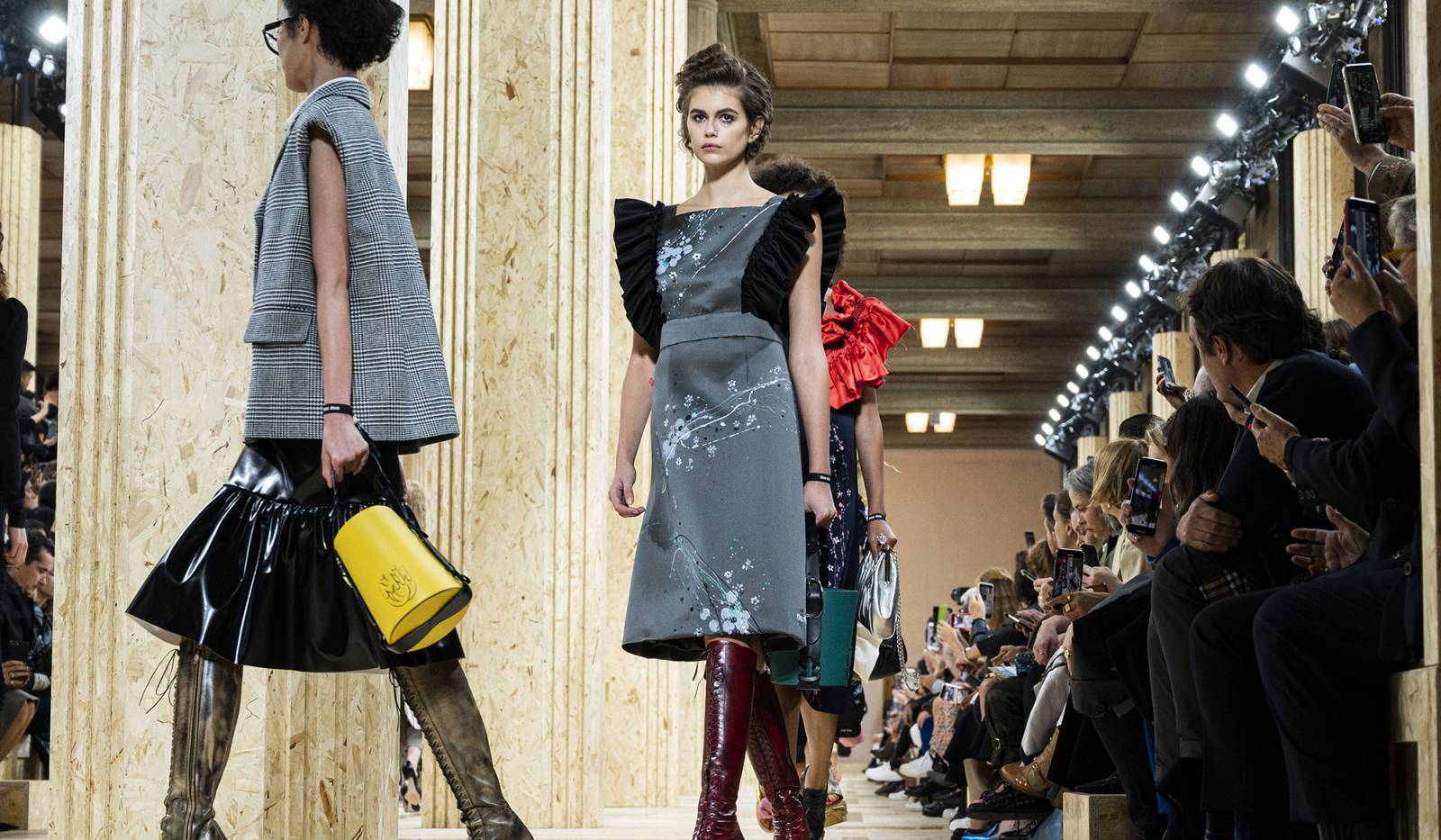 Miu Miu wiosna-lato 2020 (fot. Peter White, Getty Images)