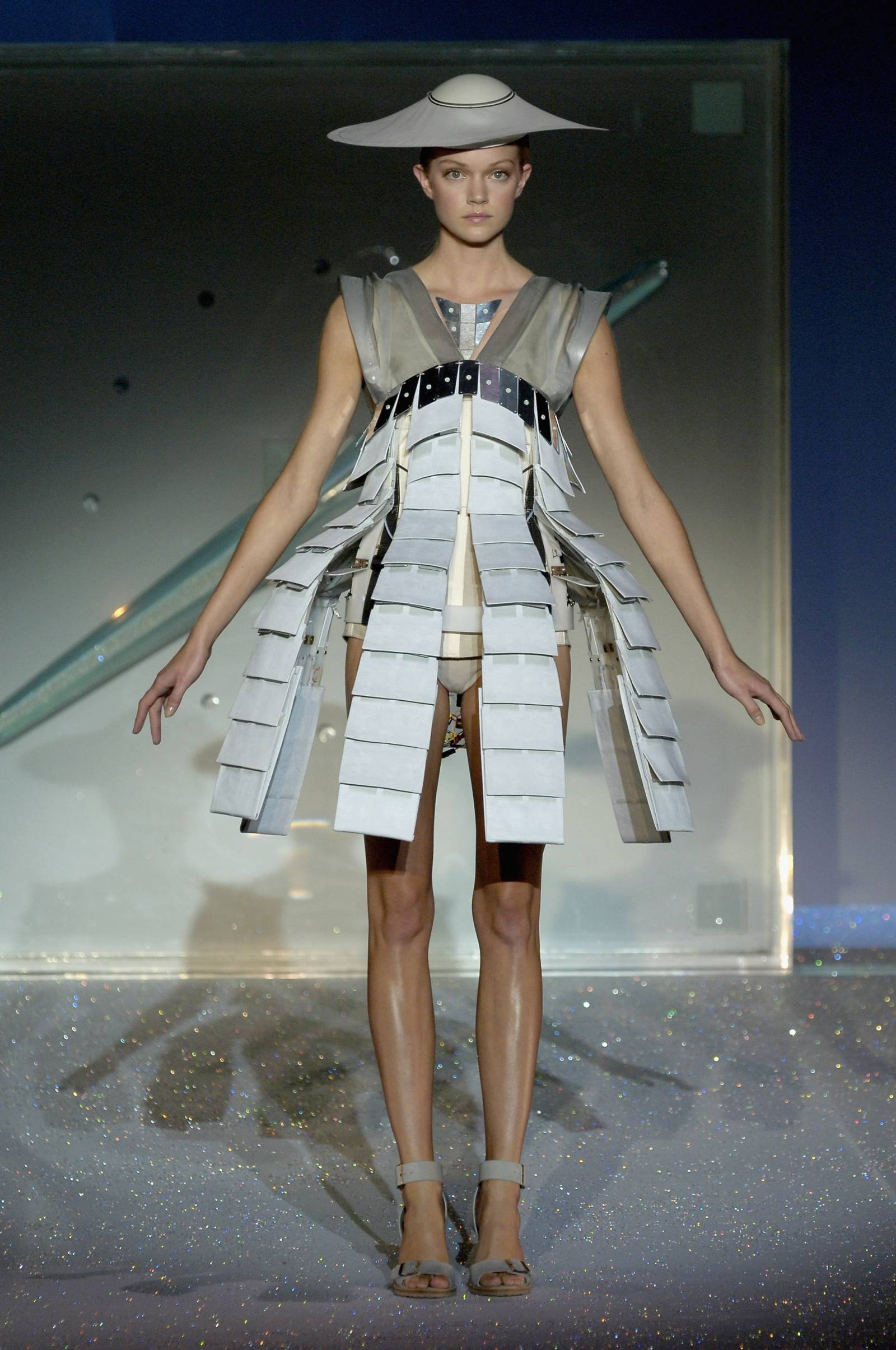 Hussein Chalayan wiosna-lato 2007