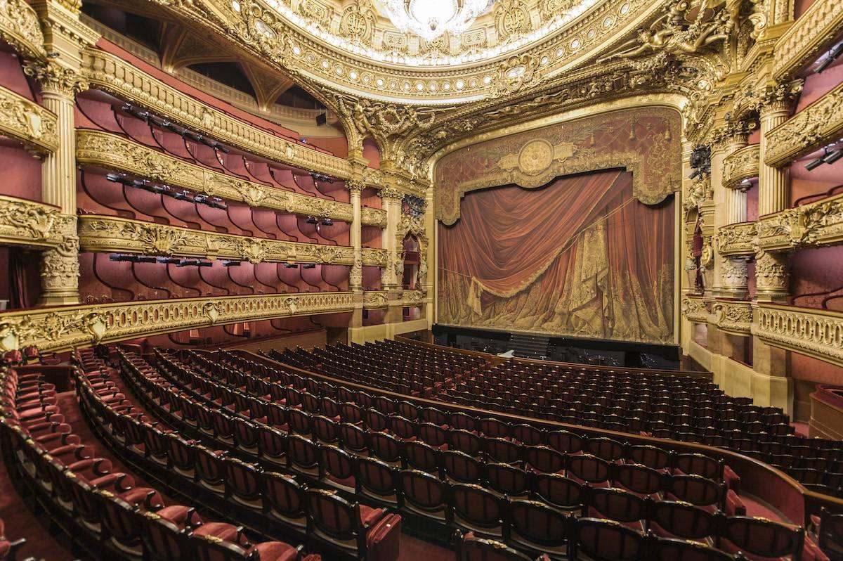 https://www.vogue.pl/uploads/repository/najpiekniejsze_opery/opera-paryz2.jpg