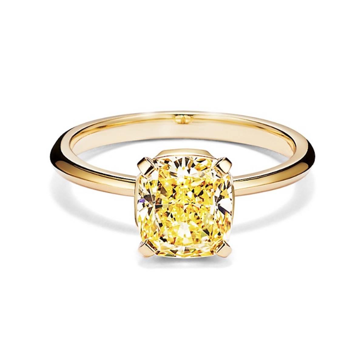 Кольцо с канареечным желтым бриллиантом от TIffany & Co.  (Фото: материалы прессы)