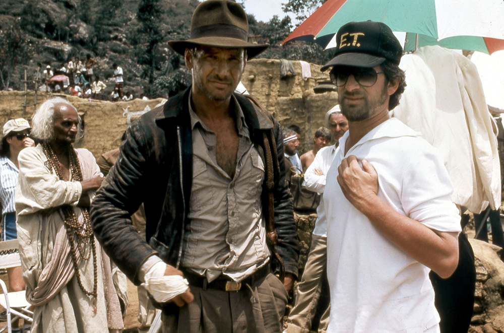 Harrison Ford i Steven Spielberg na planie filmu Indiana Jones i Świątynia Zagłady (Fot. Collection Christophel, East News)