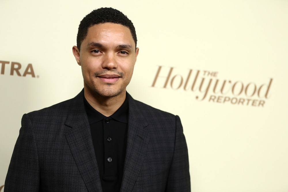 "Trevor Noah na imprezie ""The Hollywood Reporter"" (Fot. Getty Images)"