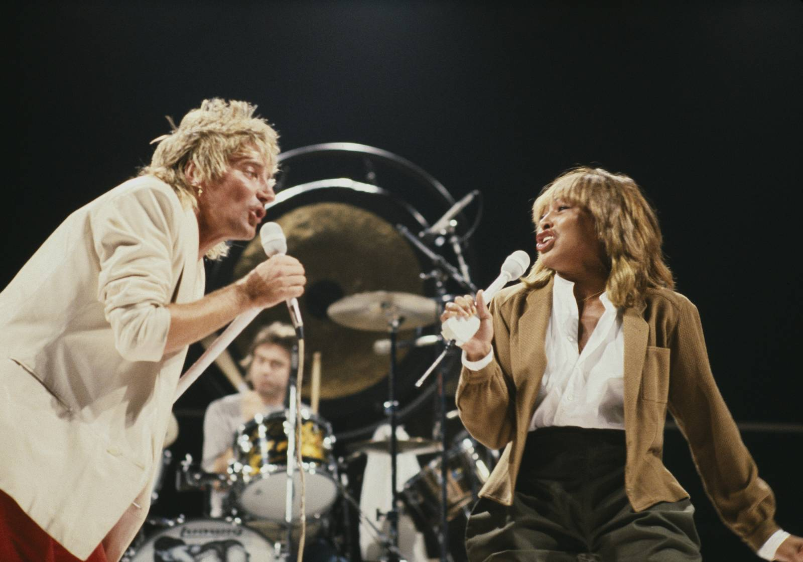 Rod Stewart i Tina Turner podczas koncertu (Fot. Christian SIMONPIETRI/Sygma via Getty Images)